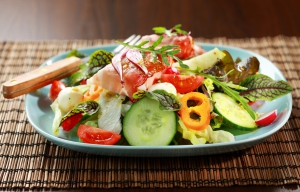 Vegetable salad with Prosciutto cheese rolls